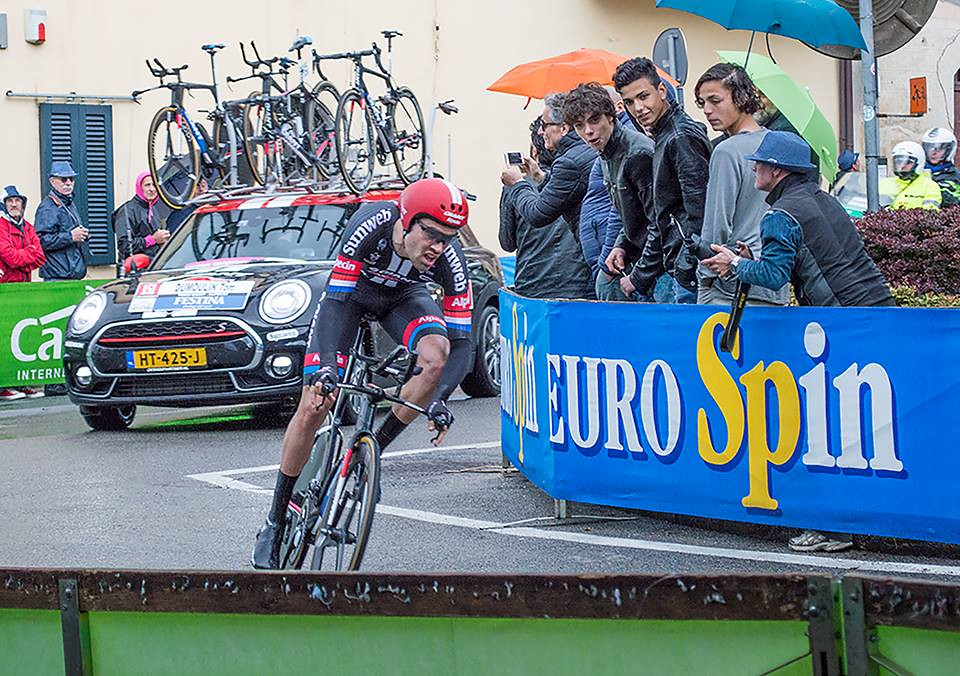 Giro 2016 - Cronometro del Chianti Classico - passaggio da Castellina in Chianti - Tom Dumoulin (inviata dal sig. Massimo)