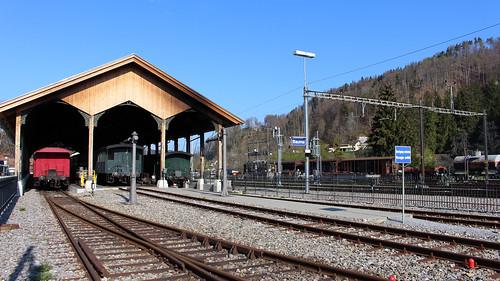 Bauma - Bahnhof mit historischen Zügen