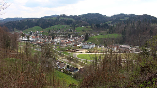 Blick auf Bauma (638 m.ü.M.) von der Burgruine Altlandenberg