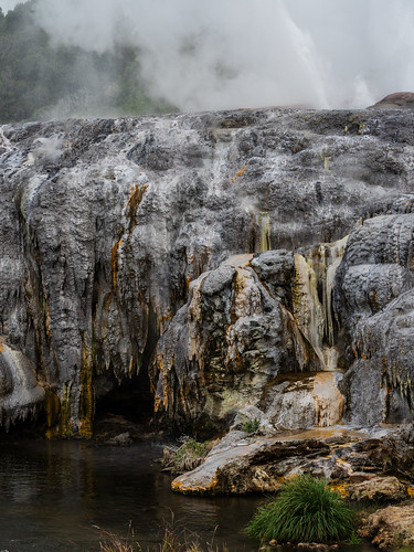 Te Puia Geyser run off chrystalisation