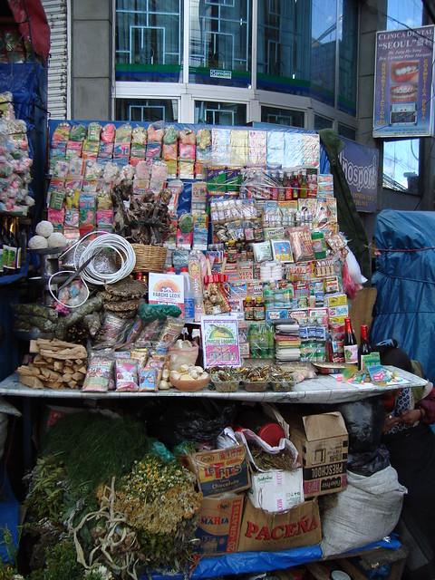 Las brujas - market