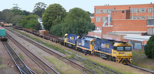 NR103 + 8184 & NR40 5BW4  STEEL TRAIN PORT WARATAH BRANCH TIGHES HILL 9th May 2019,