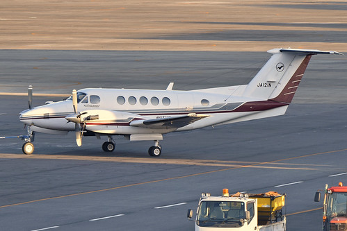 Beechcraft B200 Super King Air 'JA121N'
