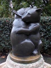 GOC London Public Art 2 197: Two Bears