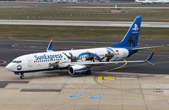 TC-SNN Boeing 737-800 SunExpress Playstation DUS 2019-03-02 (32a)