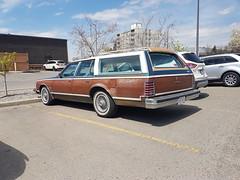 Pontiac Grand Safari station wagon