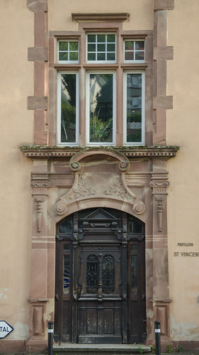 Porte du pavillon saint Vincent