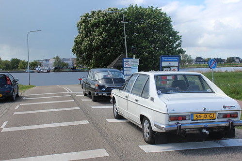 At the Genemuiden ferry