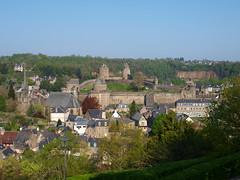 Castillo de Fougéres, iglesia de San Sulpicio y Barrio Medieval (Fougéres - Bretaña) - Photo of Fougères