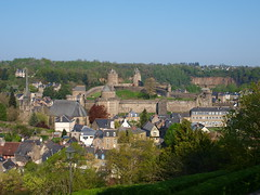 Castillo de Fougéres, iglesia de San Sulpicio y Barrio Medieval (Fougéres - Bretaña) - Photo of Laignelet