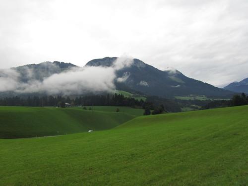 20110908 23 240 Jakobus Berge Wolken Wiese Wald