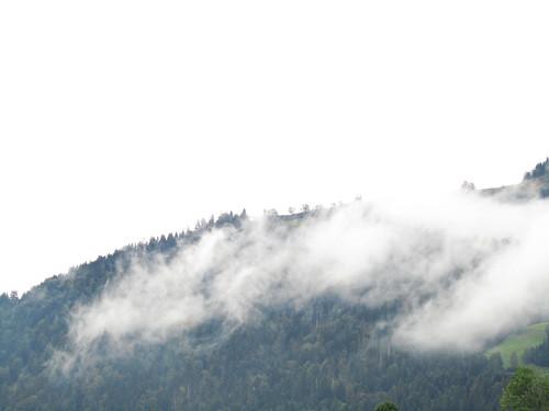 20110908 23 243 Jakobus Hügel Wald Wolken