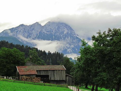 20110908 23 106 Jakobus Wolken Berg Wald Hütte