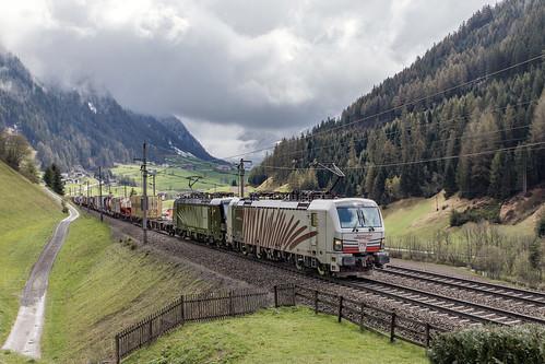 Lokomotion 193 776 en 193 666 St. Jodok am Brenner