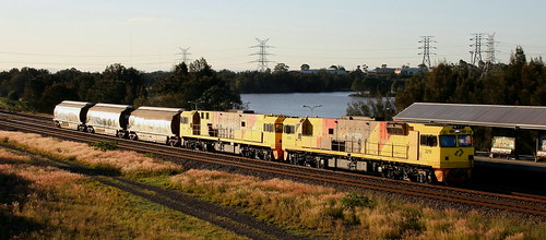 3215 & 3221 AURIZON WAGON TRANSFER WARABROOK 12th May 2019.