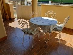 Fabulosa terraza muy soleada de unos 20 m2 aproximados. Solicite más información a su inmobiliaria de confianza en Benidorm  www.inmobiliariabenidorm.com