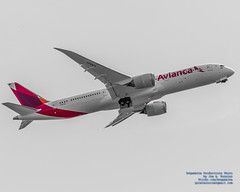 COLORFUL AVIANCA LIVERY ON A RISING BOEING 787-9
