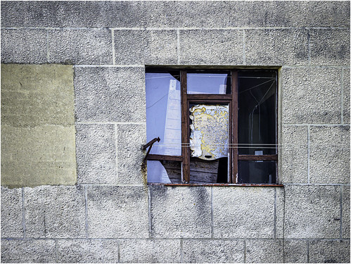 This window is waiting for a repair