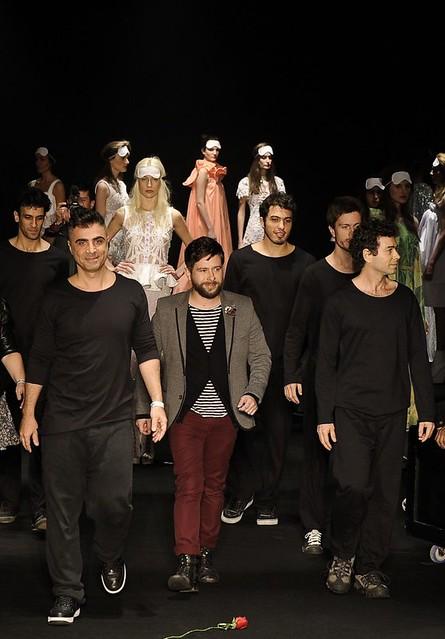 Verão 2012 - Performance Clarisse por Fause Haten