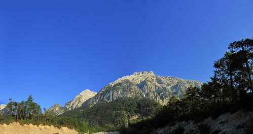 20110911 26 022 Jakobus Berge Wald ausgetrocknetes Flußbett_P01aaa