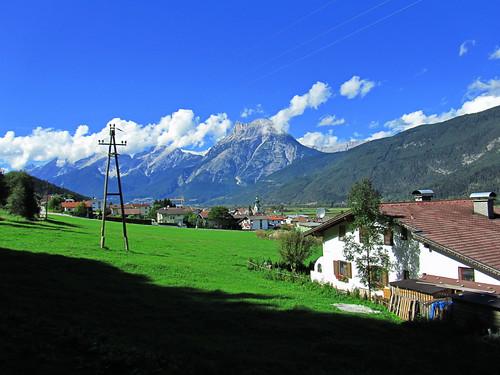20110912 27 318 Jakobus Berge Wolken Ortschaft Häuser