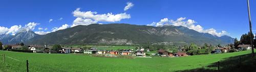 20110912 27 321 Jakobus Berge Wolken Ortschaft Häuser_P01