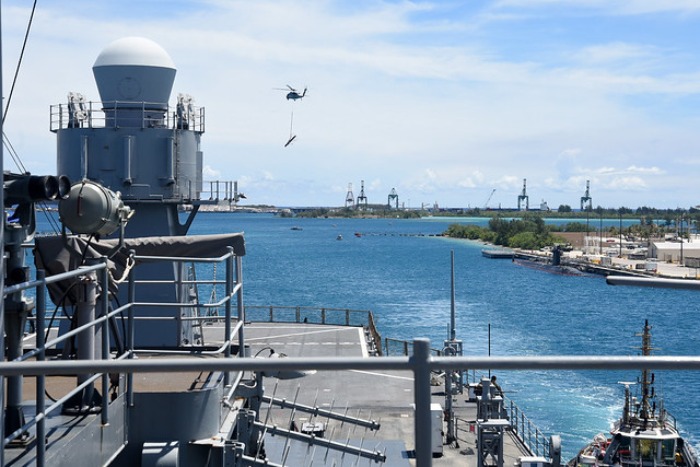 Photo:USS Blue Ridge (LCC 19) arrives for a port visit to Guam By #PACOM