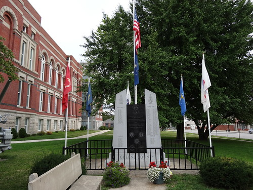 Greene County Veterans Monument, Bloomfield, IN
