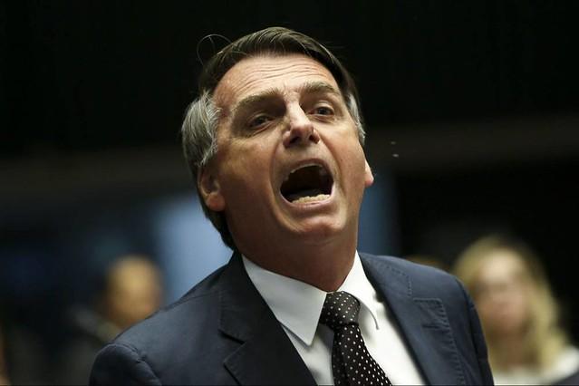 Jair Bolsonaro recuou e não comparecerá nas manifestações que pretendem defender a sua governabilidade  - Créditos: Foto: Marcelo Camargo/Agência Brasil