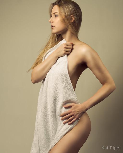 Lisa // Towel Series