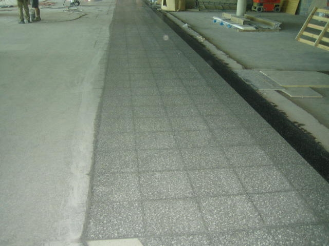 terrazzo-grinding-in-shopping-centre
