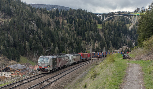 Lokomotion 193 776 en 193 775 St. Jodok am Brenner