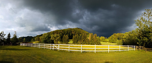 Just before the storm (good that the horses are in the stable)