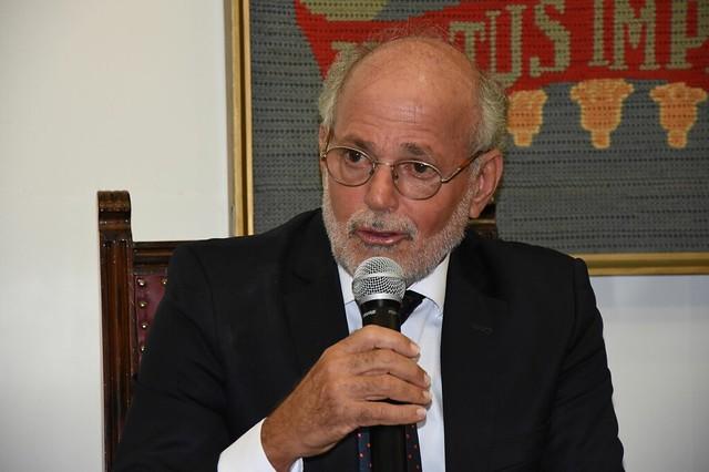 Amaro Lins foi reitor da Universidade Federal de Pernambuco e secretário de educação superior do Ministério da Educação - Créditos: Foto: UFPE