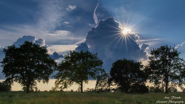 Kurzes aufbäumen einer Gewitterzelle,Wümmeniederung-Bremen©Arne Flemke