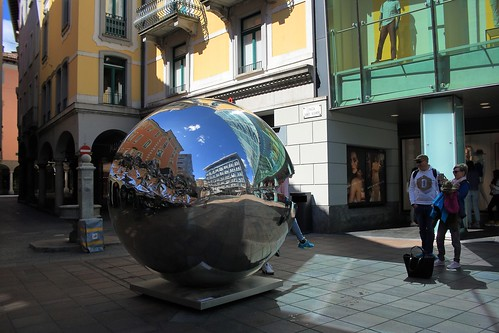 Big Data (2018) – Helidon Xhixha – Piazza Dante, Lugano