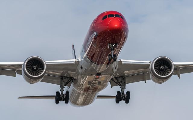 Norwegian Air UK G-CKWB plb22-02081