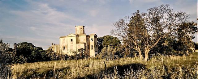 Casino del Americano - Quinta de Nuestra Señora de las Mercedes, un bien cultural propiedad municipal, en ruinas y sin futuro