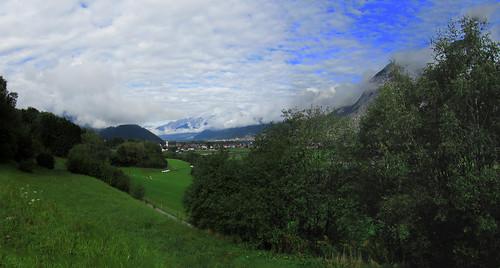 20110912 27 097 Jakobus Berge Wolken Ortschaft Bäume_P01