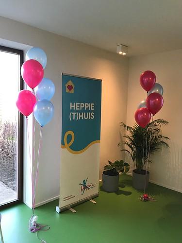 Gronddecoratie 5ballonnen  Opening Heppie (t)huis Geldrop voor het vergeten kind