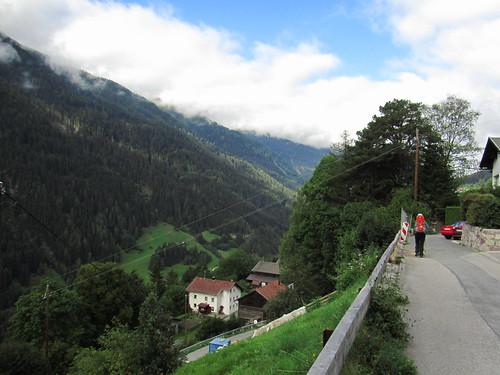 20110915 30 208 Jakobus Berge Tal Wald Wolken Pilger Christine