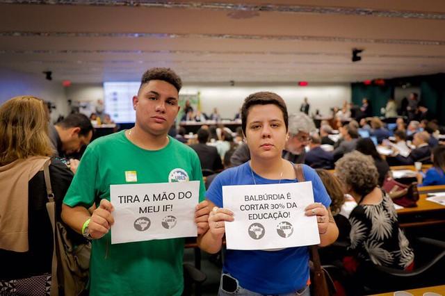 Marianna Dias, presidente da UNE, e Pedro Gorki, presidente da UBES - Créditos: Divulgação UNE