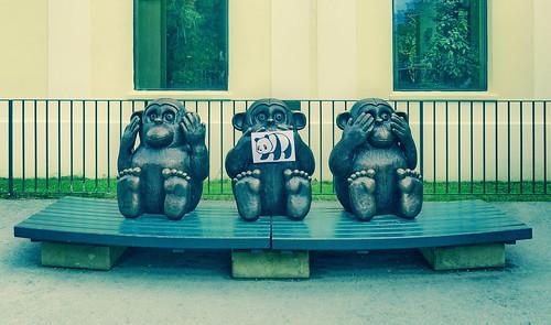 #goodpandacontest flickr good panda with the Three Apes by Gottfried Kumpf, at the Zoo Tiergarten Schönbrunn