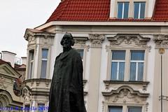 Praga - estátua de Jan Hus