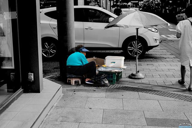 Old street seller