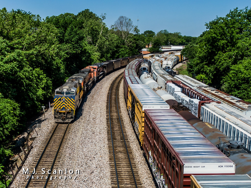 CREX 1318 | GE ES44AC | BNSF Thayer South Subdivision