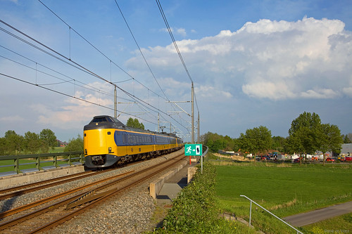 2 x NS IC-3 - IC 1864 Leeuwarden - Den Haag centraal  - Hattemerbroek