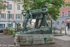 Mâcon - La statue des vendangeurs - Photo of Mâcon