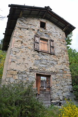 Cabane dans la montagne - Photo of Piégut