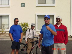 Ronnie (Otto), Frank, TampaMike, Jerry in front of Mikes apt in Tampa.